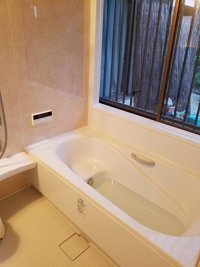 漏水をきっかけに新しいお風呂に 浴室リフォーム