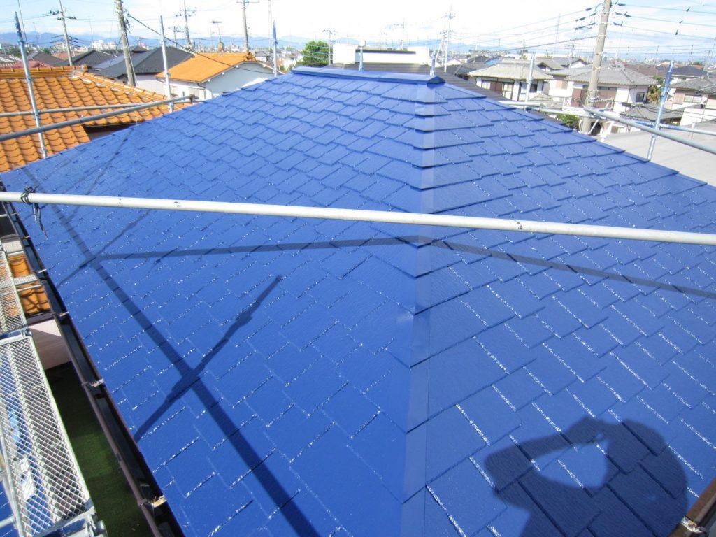 陽の光で青が映える 外壁屋根塗装